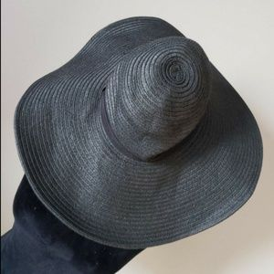 H and M crushable black floppy beach hat